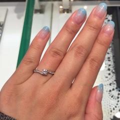 【JEWELRY  KAMATA(ジュエリーかまた)の口コミ】 お店にはいろんなデザインの指輪があってとっても迷ってしまいましたけど…