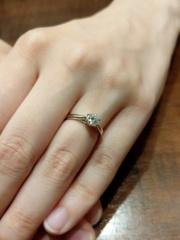 【銀座ダイヤモンドシライシの口コミ】 ダイヤモンドの輝きが、他のブランドとは比べものにならないくらい美しか…