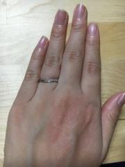 【エクセルコダイヤモンド(EXELCO DIAMOND)の口コミ】 内甲の指輪なので付け心地が大変良く、付けているのを忘れてしまうくらい付…