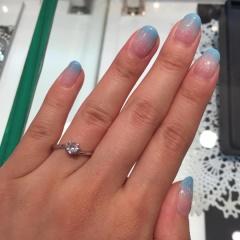 【JEWELRY  KAMATA(ジュエリーかまた)の口コミ】 購入したエンゲージリングとどちらにするか最後まで迷いました。ダイヤが…