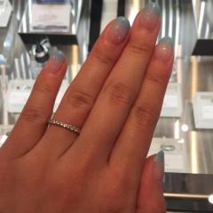【JEWELRY  KAMATA(ジュエリーかまた)の口コミ】 ダイヤモンドがいっぱい付いたハーフエタニティリングです。もともとハーフ…