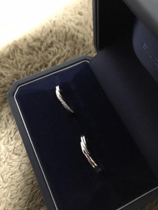 【銀座ダイヤモンドシライシの口コミ】 プリュームのV字リングのダイヤモンドは全て58面カットになっており、とて…