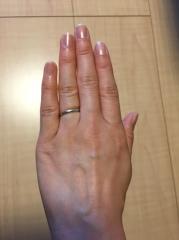 【ティファニー(Tiffany & Co.)の口コミ】 指輪をはめていないかのような、とても軽い付け心地がよい。結婚指輪は日…
