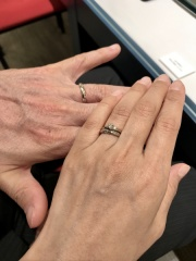 【銀座ダイヤモンドシライシの口コミ】 普段使いしやすい婚約指輪を探していましたので、出っ張りが少ないこちらの…
