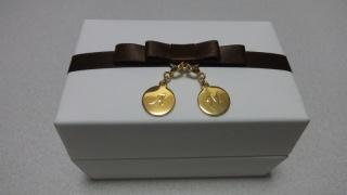 【アイプリモ(I-PRIMO)の口コミ】 お店の方から「手を繋いでいるようなデザイン」と説明され、結婚指輪のデ…