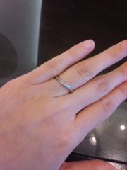 【JEWELRY  KAMATA(ジュエリーかまた)の口コミ】 シンプルな指輪を探していました。滑らかなラインが素敵です。すこし派手…