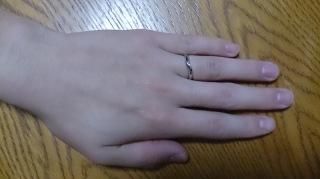 【俄(にわか)の口コミ】 妻が気に入った指輪を一番に優先して購入したいと考えていましたが、  私…