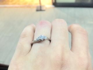 【アイプリモ(I-PRIMO)の口コミ】 一目で婚約指輪とわかるデザインでかつ派手すぎないものが良かったのです…