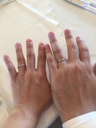 【アイプリモ(I-PRIMO)の口コミ】 控えめのダイヤが5つ並んでいてシンプルすぎず、上品な印象だったのでこれ…