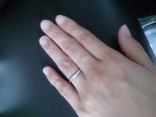 【俄(にわか)の口コミ】 30代ということもあり、シンプルで王道の指輪を探していました。婚約指輪…