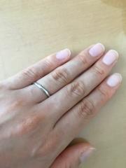 【ティファニー(Tiffany & Co.)の口コミ】 私は婚約指輪に私の希望でティファニーのハーモニーをいただいていて、結…