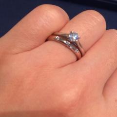 【銀座ダイヤモンドシライシの口コミ】 もともとはプラチナを考えていましたがピンクゴールドをつけてみて、自分の…