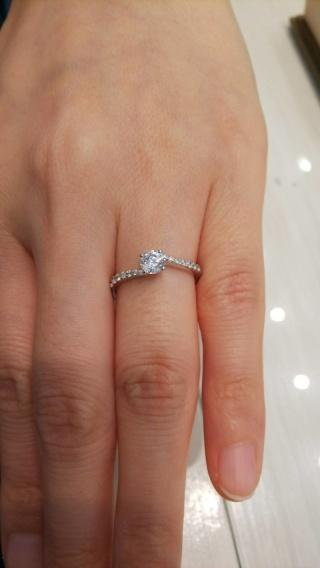 【JEWELRY  KAMATA(ジュエリーかまた)の口コミ】 プロポーズの際にダイヤのみをプレゼントしてもらったので、後日、土台の…