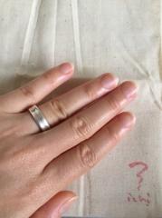 【ichi(イチ)の口コミ】 ボリュームがありながらも程よくフィットして指に馴染んだ事が1番の決め…