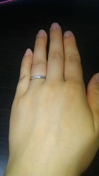 【銀座ダイヤモンドシライシの口コミ】 色々なお店で、様々な指輪を試着してみましたが、一番自分の指にあってい…