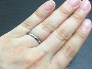 【カルティエ(Cartier)の口コミ】 長く使うものなので、シンプルな指輪を探していました。この指輪は、シン…