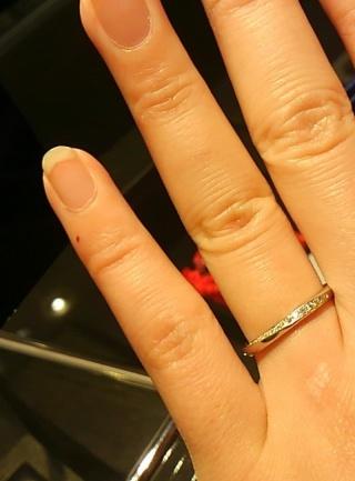 【エクセルコダイヤモンド(EXELCO DIAMOND)の口コミ】 ダイヤモンドが沢山ついていて、キラキラ輝いていて素敵でした。 かつプラ…