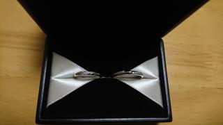 【エクセルコダイヤモンド(EXELCO DIAMOND)の口コミ】 婚約指輪との重ね付けや、これから年齢を重ねてもずっと付けることを考えて…