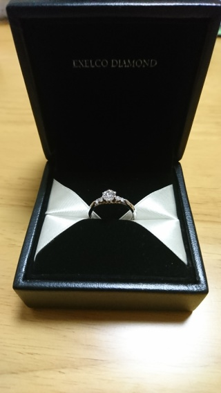 【エクセルコダイヤモンド(EXELCO DIAMOND)の口コミ】 センターダイヤが目立つデザインであり、更にメレダイヤもついたタイプが…