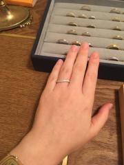【ith(イズ)の口コミ】 指が細く長く綺麗に見えるようなひねりが入っているのがポイントでした。エ…