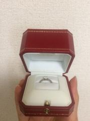 【カルティエ(Cartier)の口コミ】 彼がプロポーズの際サプライズで用意してくれていたのですが、ザ・婚約指…