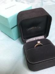 【ティファニー(Tiffany & Co.)の口コミ】 トラディショナルなデザインであったこと。 当初の予算程度で、予定よりも…