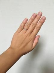 【カルティエ(Cartier)の口コミ】 シンプルなデザインで、長く付けられる指輪にしようと主人と話し合い、ブラ…
