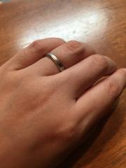 【ティファニー(Tiffany & Co.)の口コミ】 毎日付けるものなのでシンプルで付けやすいものを選びました。ダイヤも爪…