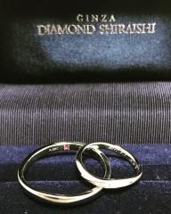 【銀座ダイヤモンドシライシの口コミ】 ダイヤモンドの輝きが素敵でした。あとはやや細いラインで少しねじれがある…