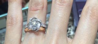 【ブシュロン(BOUCHERON)の口コミ】 複数の婚約指輪のブランドを見ましたが、ブシュロンはデザイン性が高く、…