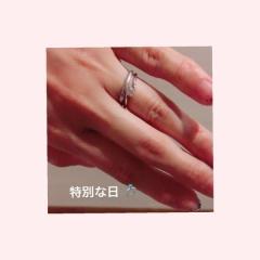 【スタージュエリー(STAR JEWELRY)の口コミ】 婚約指輪は旦那さまから シンプルなダイヤでいて とってもキラキラして目…