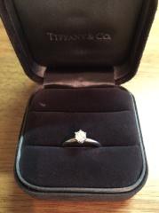 【ティファニー(Tiffany & Co.)の口コミ】 指が細めのため、あまりごつごつしたデザインのものではなく、シンプルで…