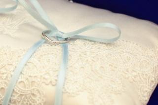 【ティファニー(Tiffany & Co.)の口コミ】 ダイヤ入りで飽きないシンプルなデザイン、お値段も婚約指輪ほど高くなくお…