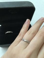 【エクセルコダイヤモンド(EXELCO DIAMOND)の口コミ】 指がゴツいのが悩みだったので、指を綺麗に見せてくれるウェーブ型かV字型…