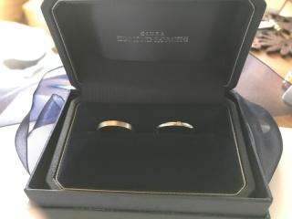【銀座ダイヤモンドシライシの口コミ】 ①シンプルなデザインながらも洗練されている。 ②デザインを数十種類のな…