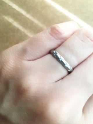 【シャネル(CHANEL)の口コミ】 色々なブランドの結婚指輪を見て回りましたが、CHANELが一番指にしっくり…