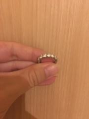 【ティファニー(Tiffany & Co.)の口コミ】 年齢も若くないので、シンプルな結婚指輪より華やかなものを選びました。周…
