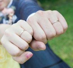 【Honey Bride(ハニーブライド)の口コミ】 シンプル過ぎず、派手すぎず、日常で使ってもオシャレな指輪を探してまし…