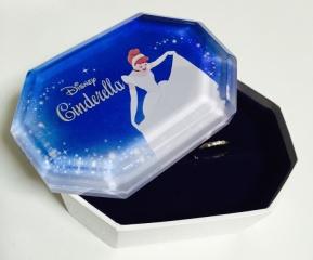 【Disney Cinderella(ディズニー シンデレラ)の口コミ】 『シンデレラが憧れ』ということもあり、シンデレラをイメージした指輪を購…