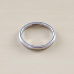 【銀座ダイヤモンドシライシの口コミ】 価格を抑えて、シンプルなデザインの指輪を探していたので、希望通り、シ…