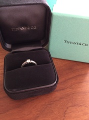 【ティファニー(Tiffany & Co.)の口コミ】 人と少し違ったデザインの指輪が欲しく色々とブランド店を探しまわりまし…