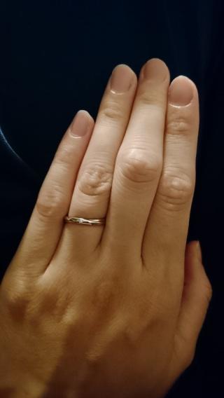 【Honey Bride(ハニーブライド)の口コミ】 シンプルで細めで少し丸みをおびた形のものを希望していました。数あるブラ…