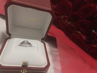 【カルティエ(Cartier)の口コミ】 様々なブランドの婚約指輪を見に行ったのですが、 私はネームバリューにこ…