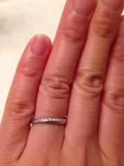【Mariage(マリアージュ)の口コミ】 婚約指輪は形に一目惚れして他の物は全く悩みませんでした。ティアラを形…
