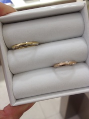 【festaria bijou SOPHIA(フェスタリア ビジュソフィア)の口コミ】 旦那がゴールドとシルバーの2トーンのタイプの指輪がよく、1番デザインが…