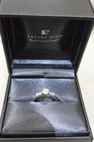 【ラザール ダイヤモンド(LAZARE DIAMOND)の口コミ】 ダイヤモンドの輝きが美しく、洗練されたシンプルなデザインがとても気に入…