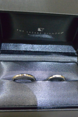 【ラザール ダイヤモンド(LAZARE DIAMOND)の口コミ】 初めはダイヤモンドが入っていないデザインにしようと思っていたけど、お店…