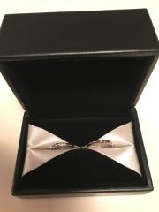 【エクセルコダイヤモンド(EXELCO DIAMOND)の口コミ】 私達が欲しいデザインの見本がなくて ダイヤの留め方や指輪のデザインを …