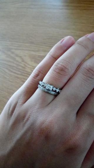 【ORECCHIO(オレッキオ)の口コミ】 所謂ザ婚約指輪のようなデザインで無いものがいいと、指輪探しをしていて…
