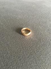 【ティファニー(Tiffany & Co.)の口コミ】 色味がピンクゴールドなのですが、結婚指輪でありきたりのシルバーや、目…